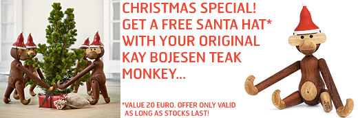 Christmas Special! Get a free santa hat with your original Kay Bojesen teak monkey. Offer only valid as long as stocks last!